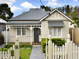 100 Weatherboard House Designs Small Houses Interior Designs Small Clapboard House