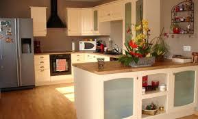 cuisine beige et taupe cuisine couleur taupe et cuisine beige cuisine pastel cuisine