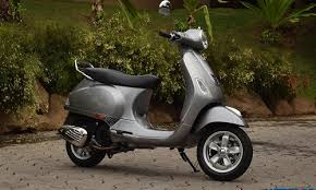The Most Recent Entry In Series Of 125cc Scooter Options Available India With A Upgrade Option Vespa VXL 125 Comes Curvy Trendy Design