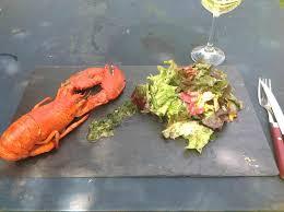 cuisiner homard congelé homard flambé au whisky tourbé et à la renouée bistorte salade de