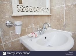 waschtisch landhausstil badezimmer caseconrad