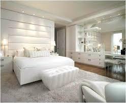 chambre a coucher blanc design chambre a coucher blanc design chambre blanc avec un mur gris