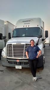 Life As A Woman Truck Driver - Transport America