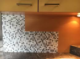 je relooke ma cuisine je relooke ma cuisine avec de la mosaïque autocollante the smart