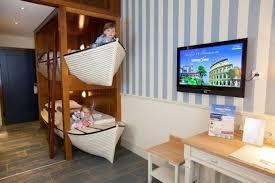 chambre enfant original chambre d enfant un lit superposé original canape en palettes
