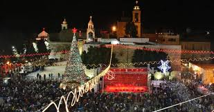 Bethlehem Lights Christmas Trees by Bethlehem Lights Up Christmas Tree In Manger Square