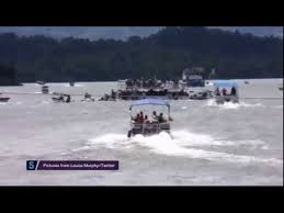Hard Merchandise Tuna Boat Sinks by Shocking Footage Shows Tourist Boat Sinking Killing 6 Youtube