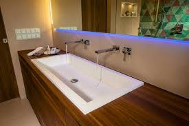 modernes bad design mit wall and deco system tapeten