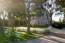 100 Sagaponack Village With An Average Home Price Of US71 Million Whats It Like