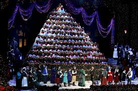 View Full SizeFaith Cathcart The OregonianMichale Pershern Tops Portland Singing Christmas Tree