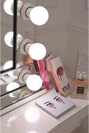 Vanity Table With Lights Around Mirror by Best 25 Hollywood Mirror Lights Ideas Only On Pinterest
