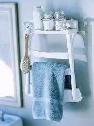 tolle idee für unser badezimmer einen alten stuhl halbieren