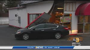 100 Game Truck Richmond Va Police Car Slides Off Tow Truck Crashes Into Henrico Pizza Shop