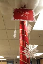 Cubicle Decoration Themes In Office For Christmas by 166 Best Cubicle Christmas Office Decorating Contest Images On
