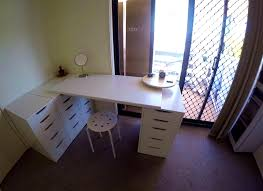 Makeup Desk With Lights by Bedrooms Makeup Desk With Lights Small Baths Cheap Vanity Table