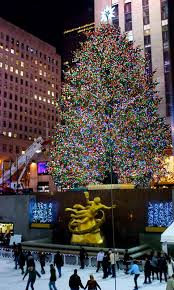 Rockefeller Plaza Christmas Tree Location by Nyc Nyc Rockefeller Center Lights The Iconic Christmas Tree