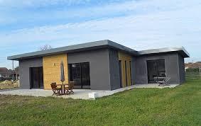 bac a avec toit construction d une maison moderne avec toiture bac acier
