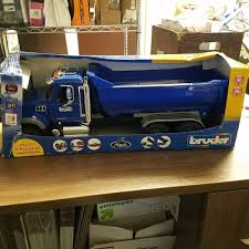 Bruder Toys Kids Toy 1:16 Model Replica Mack Granite Halfpipe Dump ... Bruder Mack Granite Dump Truck 116 Scale 1864028092 Cek Harga Hadiah Tpopuler Diecast Mainan Mobil Mack Bruder News 2017 Unboxing Truck Garbage Man Crane And 02823 Halfpipe Chat Perch Toys Kids With Snow Plow Blade 02825 Toy Model Replica Half Pipe Toot Toy Cars Pinterest Jual 2751 Dump Truk Man Tga Excavator Ebay Pics Unique 3550 Scania R Series Tipper Rc 4wd Mercedesbenz Trailer Transportation