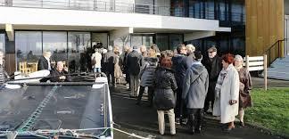 bureau de vote primaire de la droite la queue à midi devant le bureau de vote de