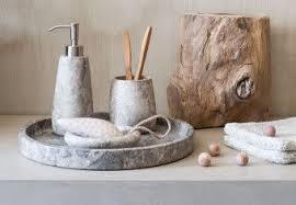 standfeste bad accessoires aus marmor mit ausgefallener