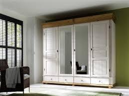 diffusion oslo norwegisch antiker drehtüren kleiderschrank für ihr schlafzimmer mit dezenten spiegeltüren und formschmeichelnder kiefer
