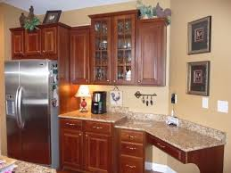 Kitchen Paint Colors With Medium Cherry Cabinets by Best 25 Kitchen With Cherry Cabinets Ideas On Pinterest