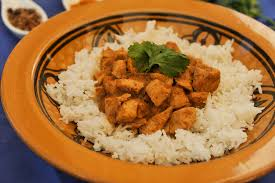 cuisiner le riz basmati poulet au curry et riz basmati framboize in the kitchen