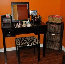 Vanity Table With Lighted Mirror Canada by Furniture Vanity Set With Lighted Mirror Vanity Sets On Sale