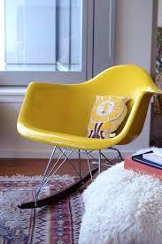 chaise a bascule eames chaise e bascule rar fauteuil a bascule rar patchwork inspiration