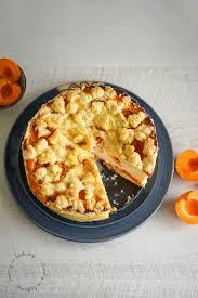 cremiger käsekuchen mit aprikosen und streuseln