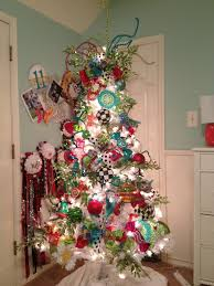 Whoville Christmas Tree by Best 25 Whimsical Christmas Trees Ideas On Pinterest Candy Land