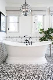 Tiling A Bathtub Skirt by Best 25 Soaking Tubs Ideas On Pinterest Tub Master Bathtub