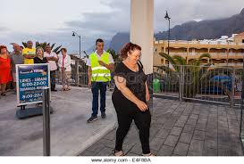 siege lidl customers stock photos customers stock images alamy