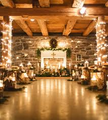 A Cozy And Glitzy Winter Wedding