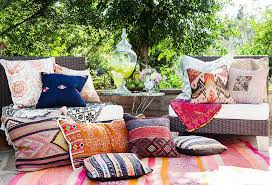 When Throwing A Backyard Bash Pull Your Favorite Pillows Blankets And Tableware Out