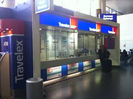 gatwick airport bureau de change travelex currency exchange gatwick airport south terminal
