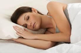 10 tipps für guten schlaf trotz hitze