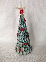 Seashell Christmas Tree Ornaments by 56 Best Seashell Christmas Trees Images On Pinterest Beach Home