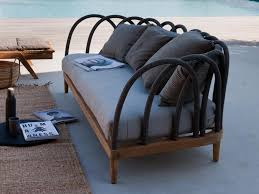 canapé teck jardin salon de jardin en teck pour faire de espace un sanctuaire de