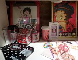 Betty Boop Bath Set by Glasses The Worley Gig