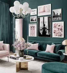 elegante bilderwand petrol rosa wohnzimmer fashion poster prada goldrahmen