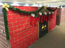 Easy Office Door Christmas Decorating Ideas by Office Cubicle Decorations For Christmas Office Window Decorations
