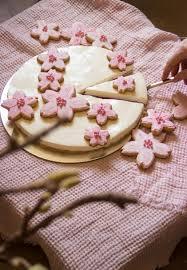kirschblüten torte mit frischkäse zucker stückchen