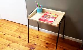 fabriquer un bureau en bois diy un bureau d enfant en bois et métal de récupération