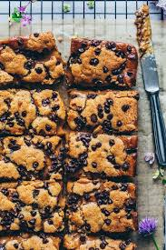 chocolate chip cookie bars mit karamell
