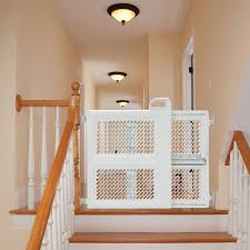 Safety 1st Lift & Lock Security Gate - Safety 1st - Babies