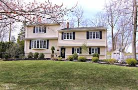 100 Split Level Curb Appeal Adding With New Shutters Split Level Homes