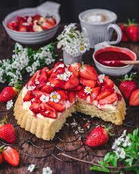 veganer erdbeer pudding kuchen food n photo
