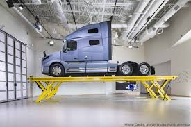 100 Volvo Truck Usa New S Customer Center Features SKYLIFT StertilKoni USA