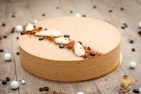decoration patisserie en chocolat gâteau cappuccino biscuit amandes crémeux chocolat mousse légère